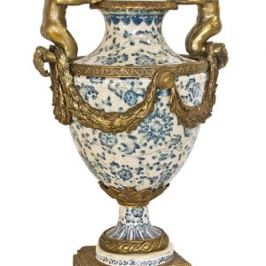 Amfora neoclasica din portelan si bronz