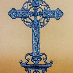 Cruce din fonta